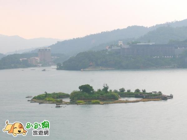 青龙山与邵语称为titabu之仑龙山,此二山恰好将lalu岛衔在相对之中央